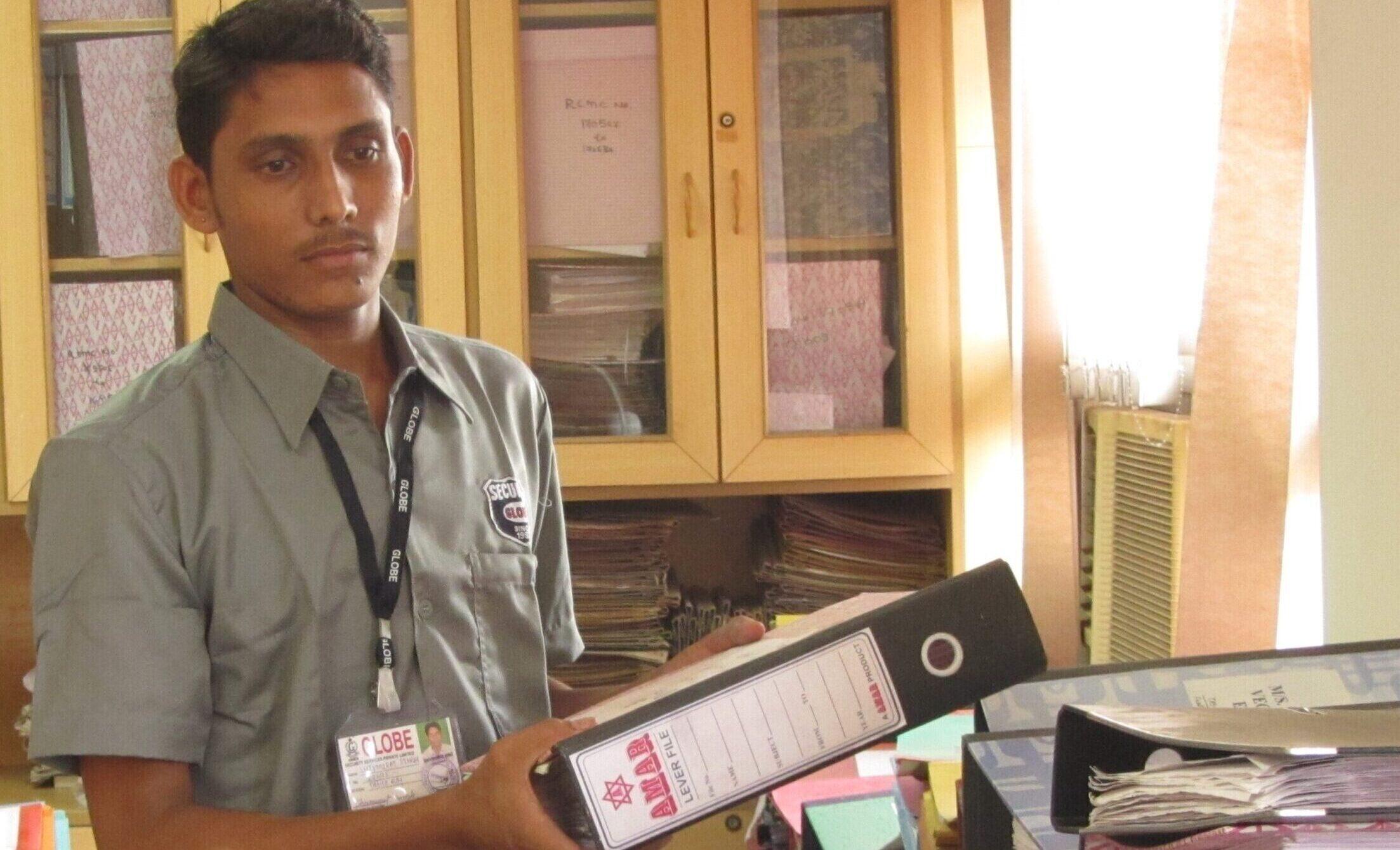 Office Boy in Mumbai handling files